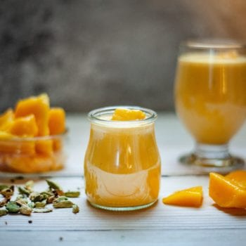 mango smoothie banana