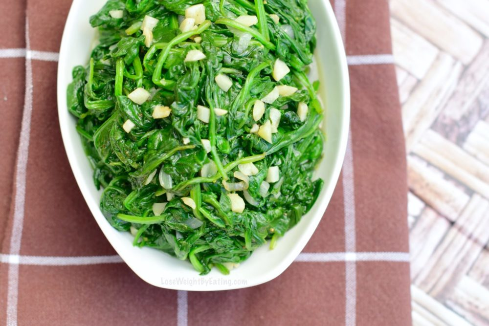 Easy Sautéed Spinach Recipe with Garlic and Lemon